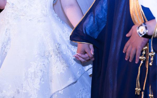 Bride-and-groom-four-seasons-hotel-Dubai-wedding