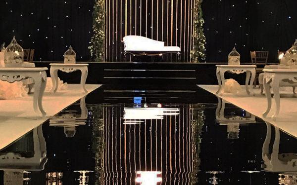 000-Atlantis-Ballroom-wedding-golden-cage-by-eventsmania