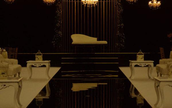 02-Atlantis-Ballroom-wedding-golden-cage-by-eventsmania
