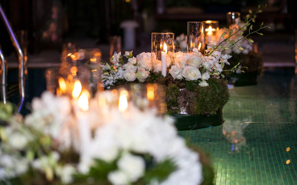 26.12.2014-Amber-engagement-84-flower-arrangement-at-the-pool