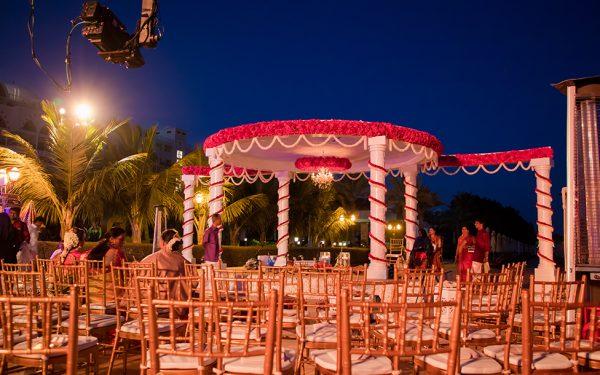 SHADI INDIAN WEDDING STAGE ZABEEL SARAY