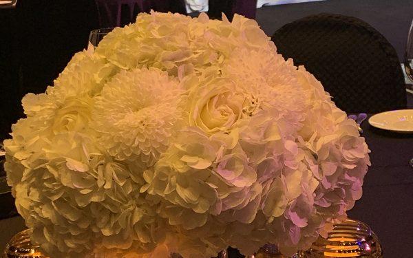 ARMANI HOTEL DOWNTOWN BURJ KHALIFA short white flower centerpiece