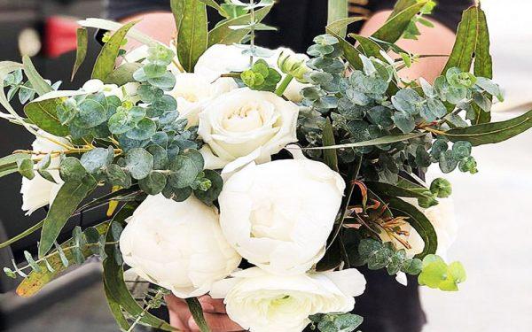Ola Farahat wedding bridal bouquet nikki beach dubai